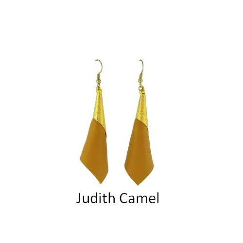 Judith: Earrings leather bouclesdoreillesjudithcamel